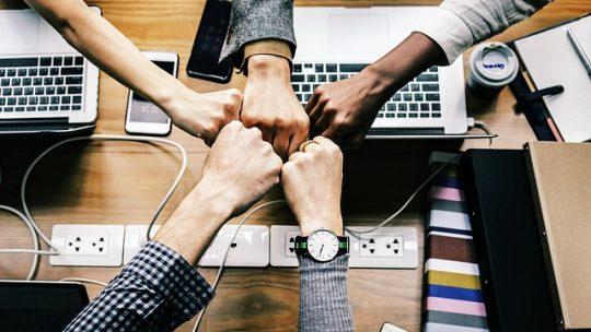 Teambuilding: Socialt sammenhold betaler sig